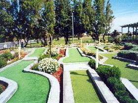West Beach Mini Golf - Attractions Melbourne
