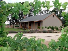 VineCrest Fine Barossa Wine - Attractions Melbourne
