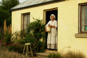 Grannie Rhodes' Cottage - Turn The Key Of Time - Attractions Melbourne