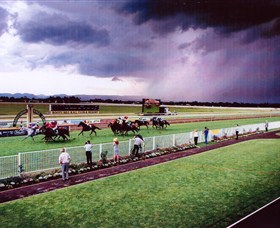 Hawkesbury Race Club - Attractions Melbourne