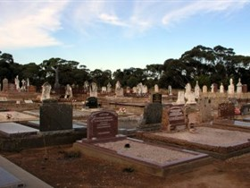 Langhorne Creek Cemetery - Attractions Melbourne