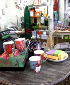 The Famous Tinonee Cafe and Gift Shop - Attractions Melbourne