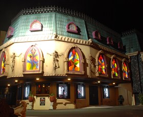 Draculas Cabaret Restaurant - Attractions Melbourne