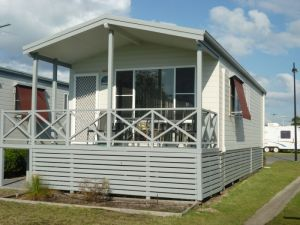Belmont Pines Lakeside Holiday Park - Attractions Melbourne
