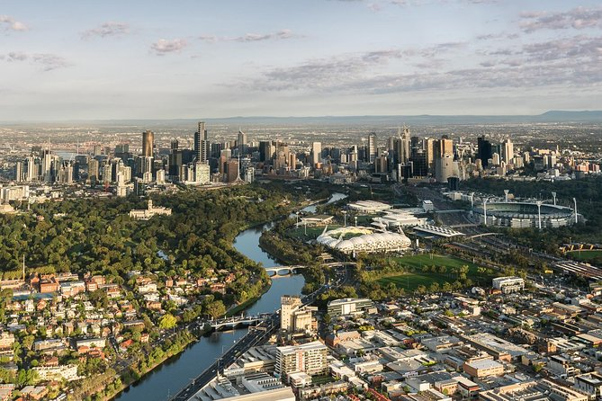 Melbourne sunrise balloon flight & champagne breakfast