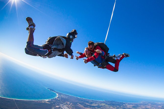 Byron Bay Tandem Sky Dive - Attractions Melbourne