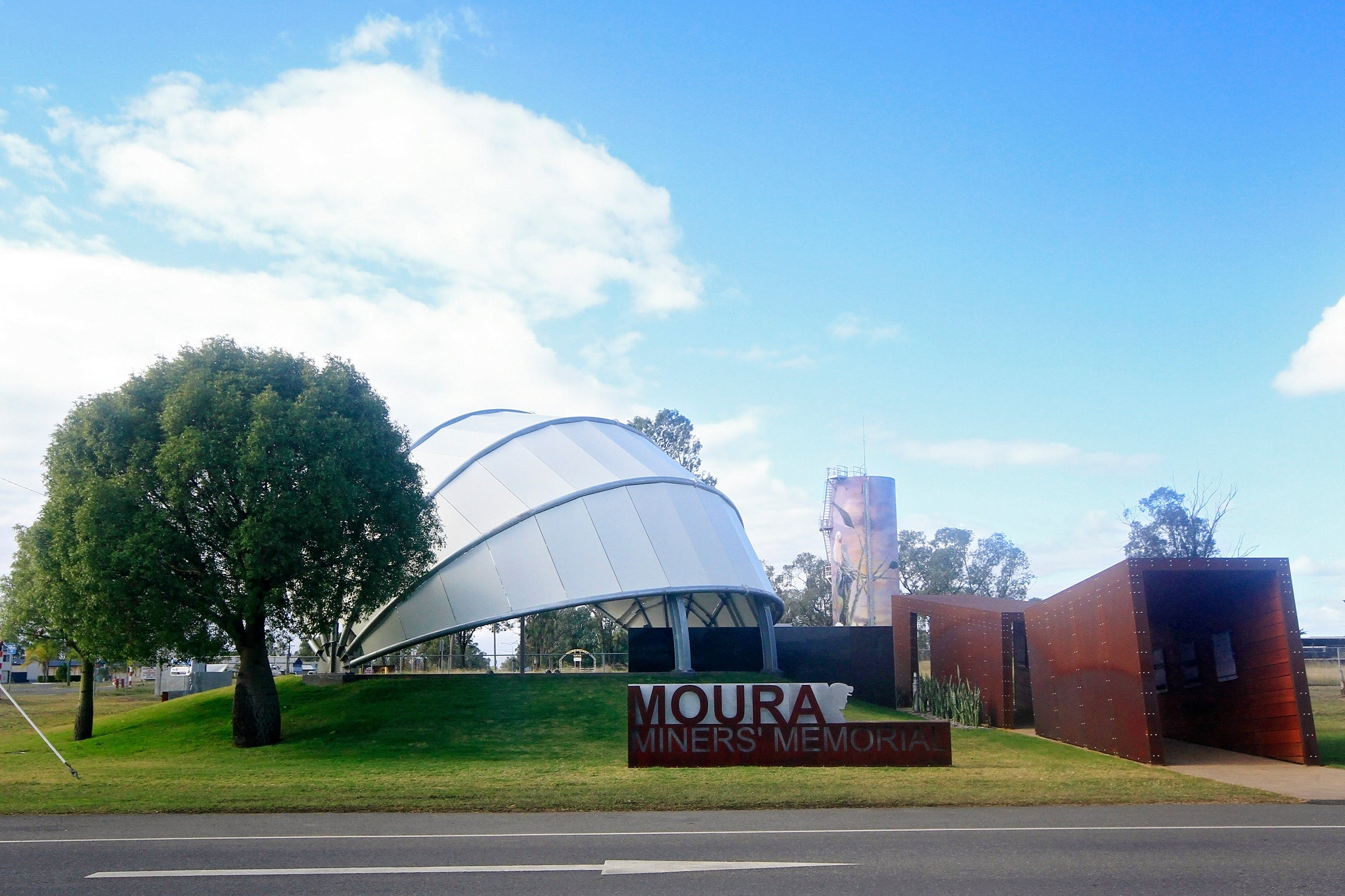 Moura - Attractions Melbourne