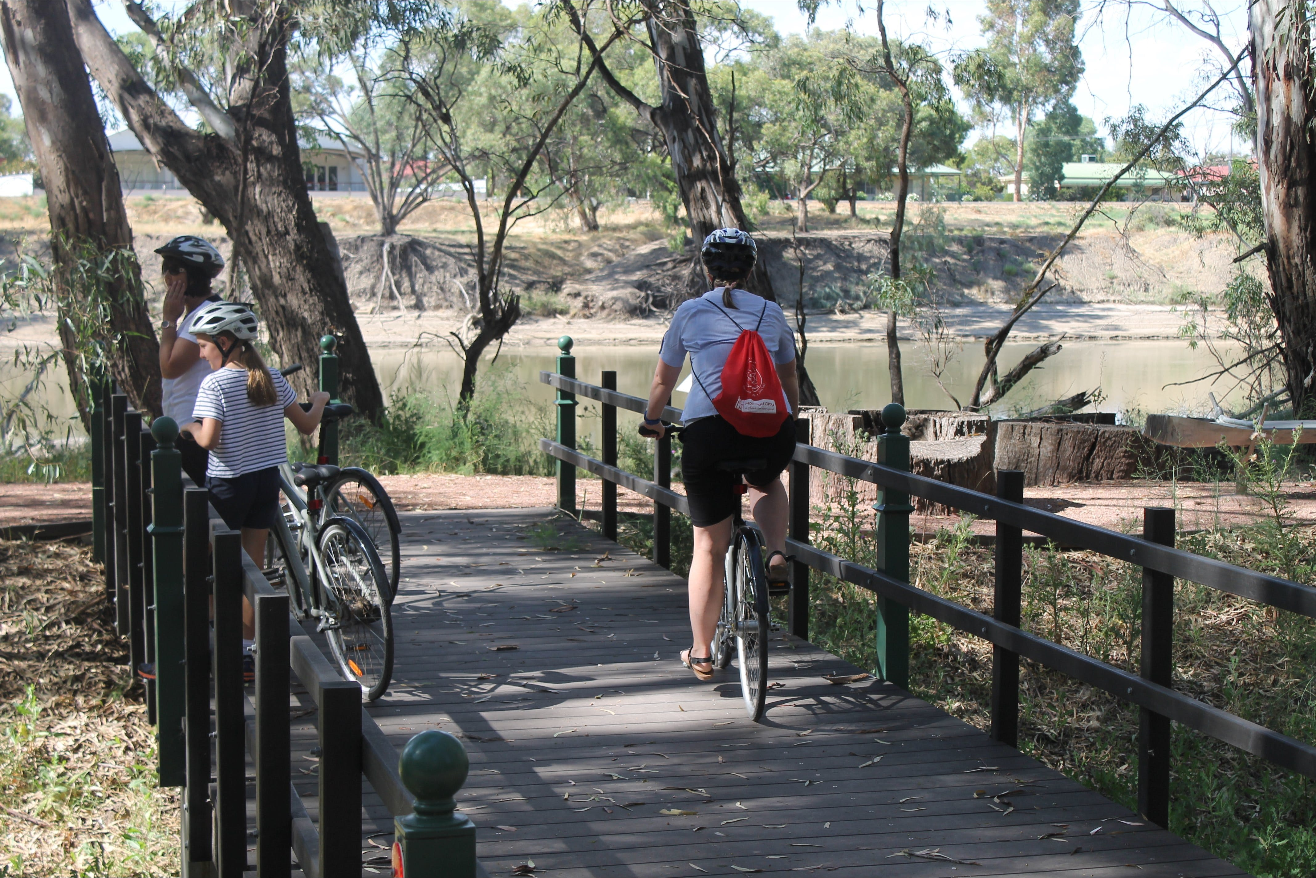 Bidgee Riverside Trail  - Hay Nature Walk - Attractions Melbourne