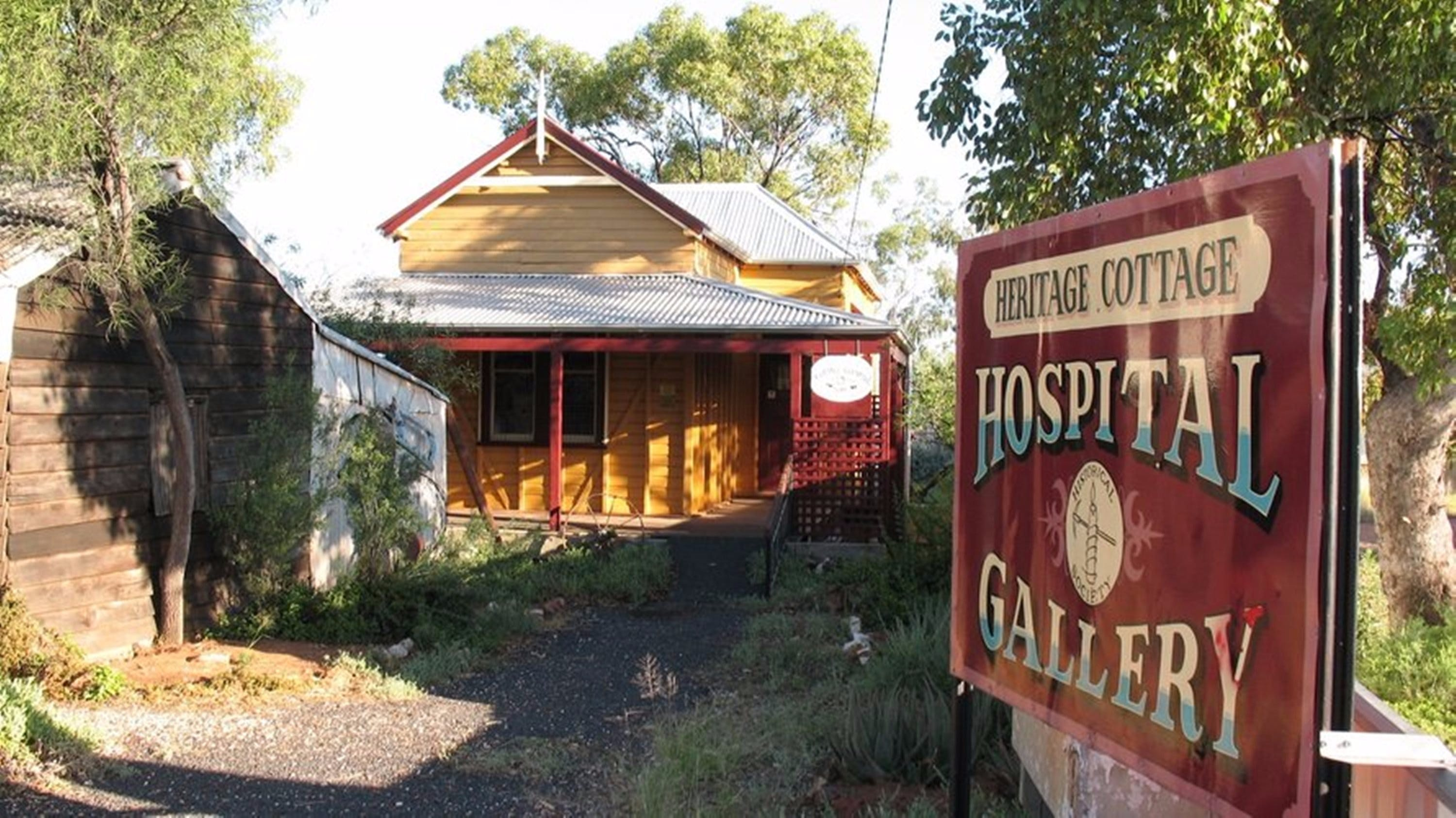 Lightning Ridge Heritage Cottage - Attractions Melbourne